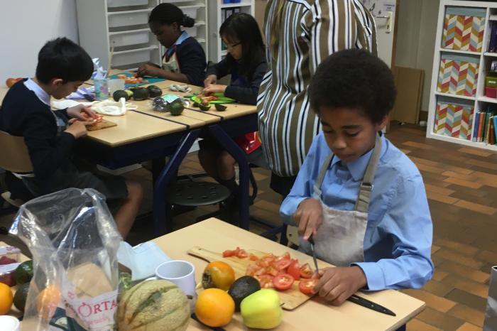 Antwerpse scholen maken soep op basis van overschotten
