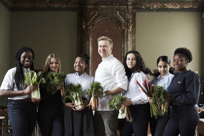 Seppe Nobels en Rikolto slaan handen in elkaar voor duurzame en gezonde voeding op elke school